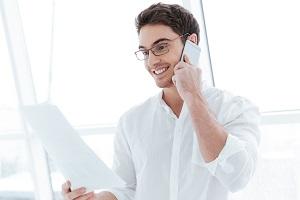 Finanzierungsgespräch am Telefon